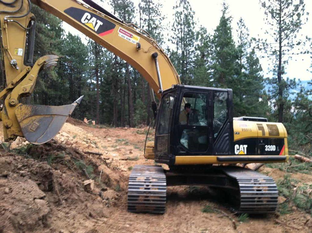 four-seasons-excavating-excavator-caterpillar