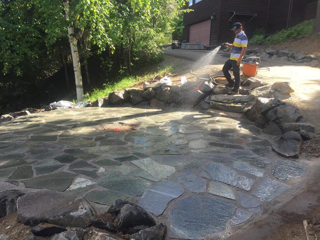 four-seasons-excavating-washing-stone-hardscape
